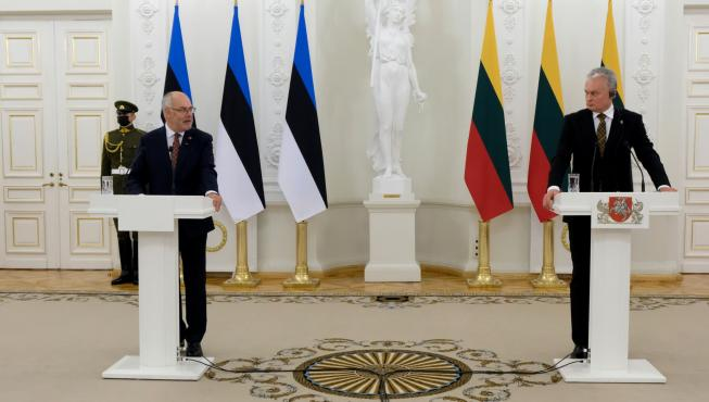 President Karis ja president Nauseda pressikonverentsil