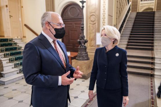 President Alar Karis kohtus Läti parlamendi spiikri Ināra Mūrniecega
